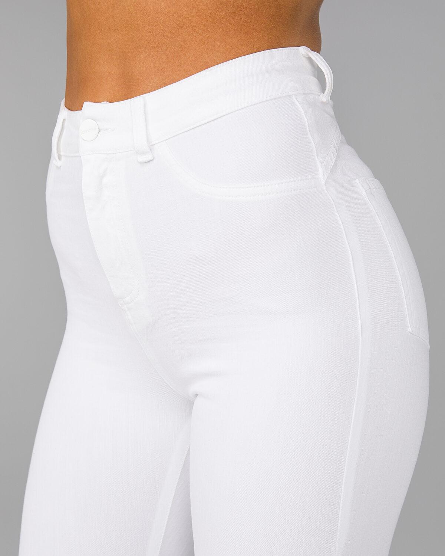 FAMME-4Flex-Jeans-White21-1200×1500