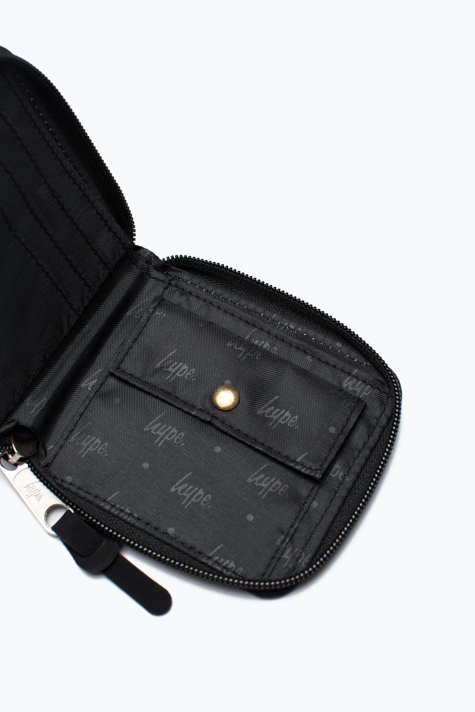 HYPE Bts17 Black/White Script Zip Wallet
