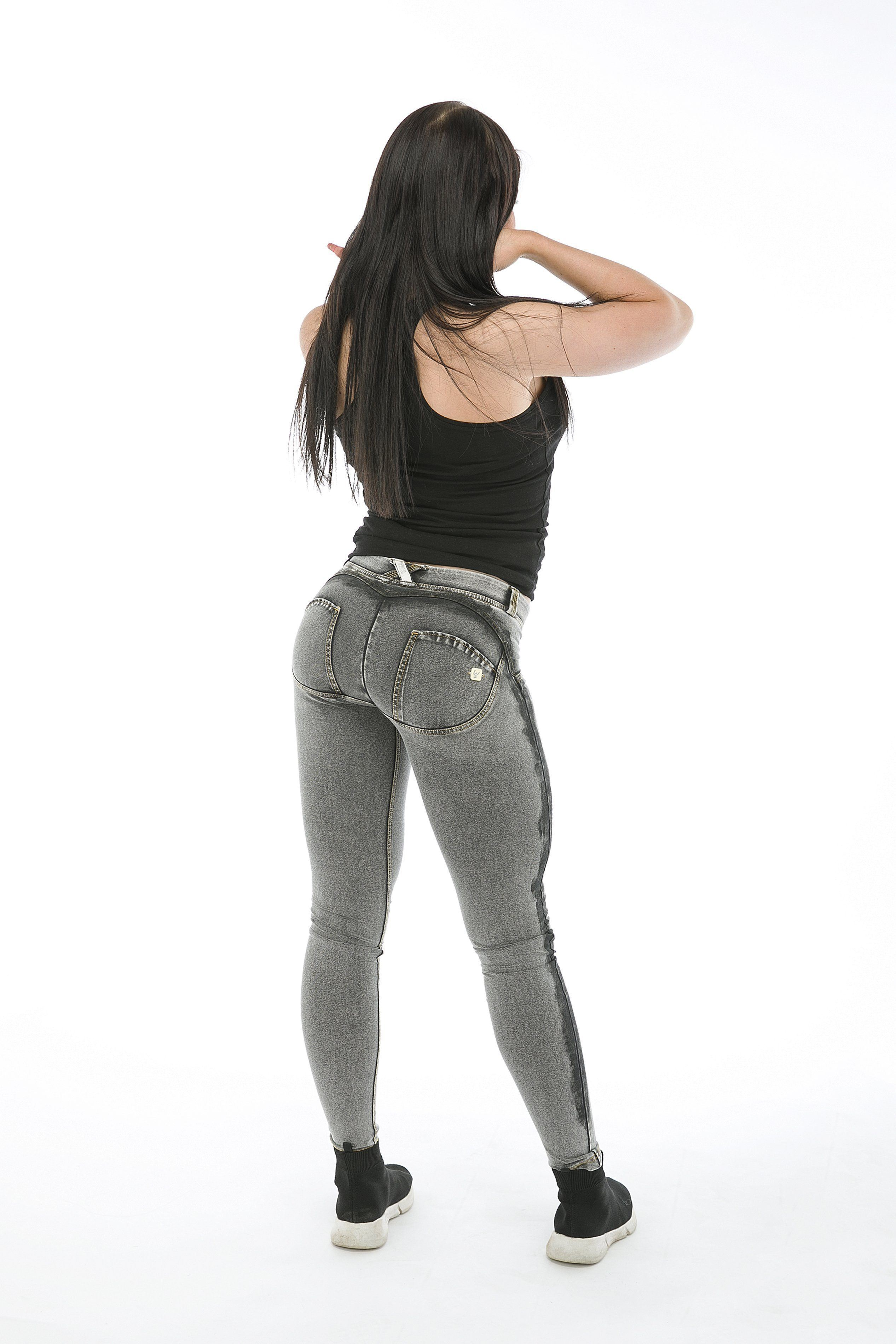 WR.UP® Shaping Jeans Skinny Low Ash Grey + Black Stripe