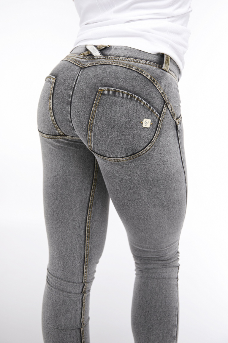 WR.UP® Shaping Jeans Skinny Low Ash Grey + Yellow Stitching