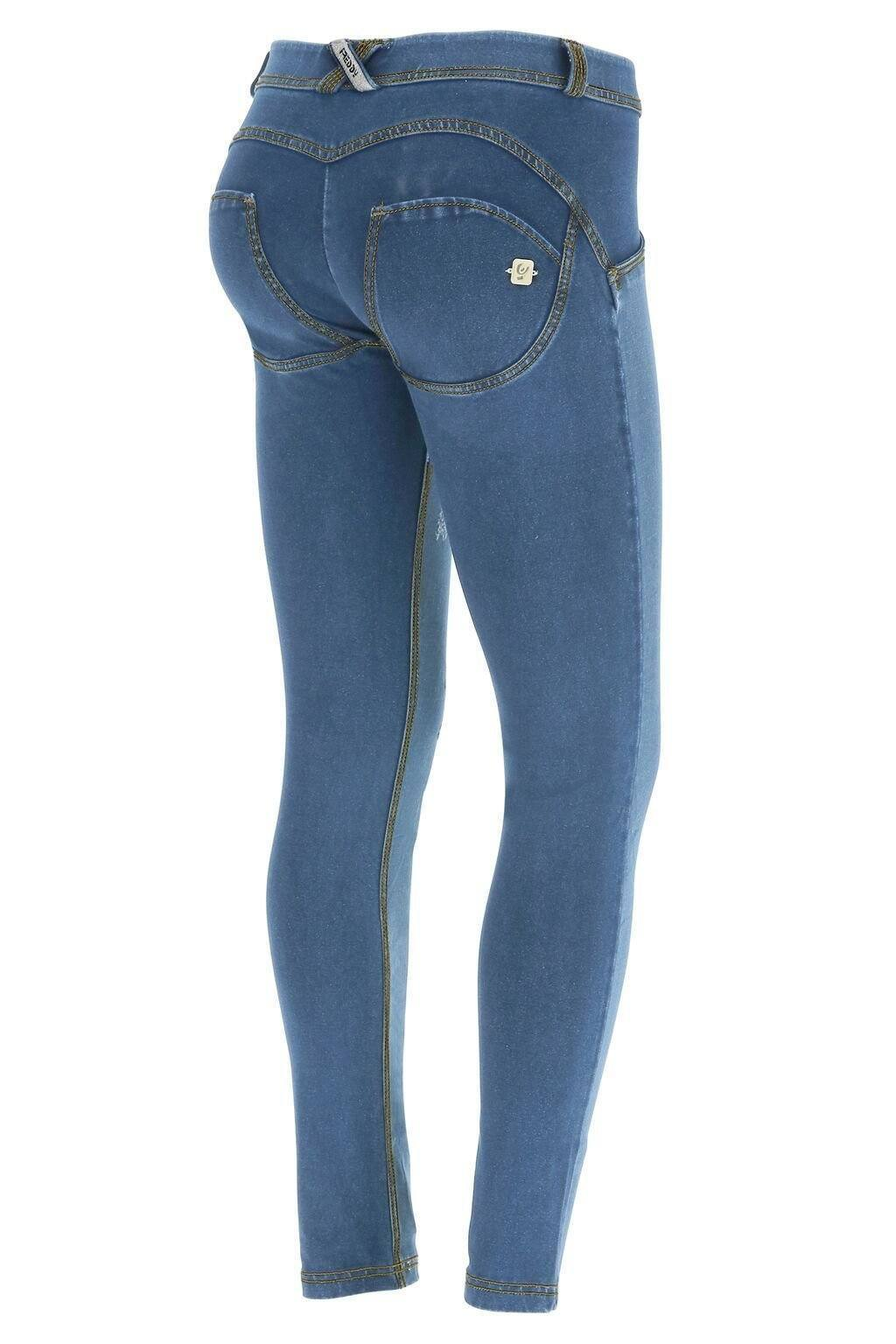 WR.UP® Shaping Jeans Skinny Mid Distressed Denim Front Light Blue